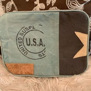"""USA Stamp IPad Case"""